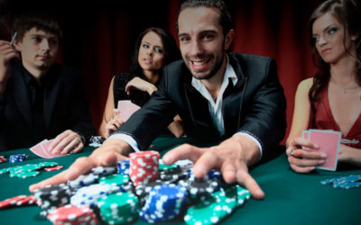 What are the different types of poker bets?